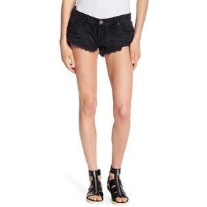 Oneteaspoon No 2's Black Distressed Shorts Daisy